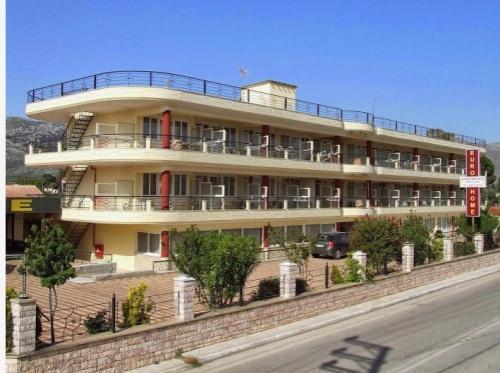 Eurohome Apartments Marathon